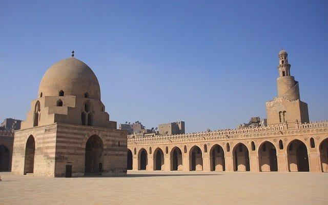 الاماكن السياحية في القاهرة جامع ابن طولون من اهم معالم السياحة في القاهرة